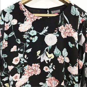 Vince Camuto Floral Gardens Top Drawstring Sleeve